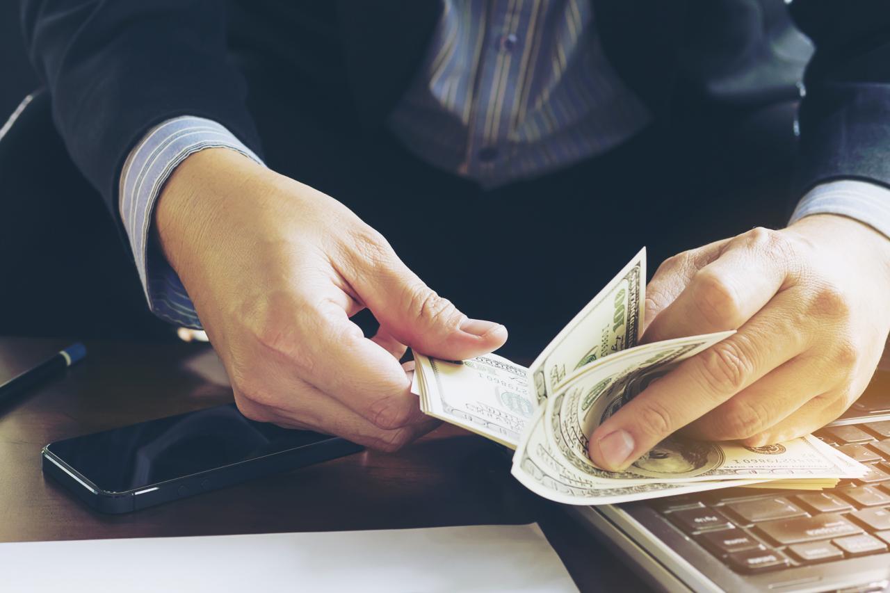 چگونه با داشتن یک وبسایت بیشتر پول بدست بیاوریم
